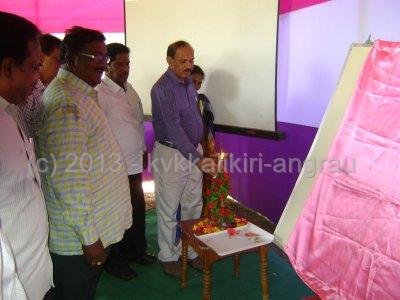 Dr.K.Raja Reddy Director of Extension ANGRAU Lightening the lamp during launching of ARYA.jpg